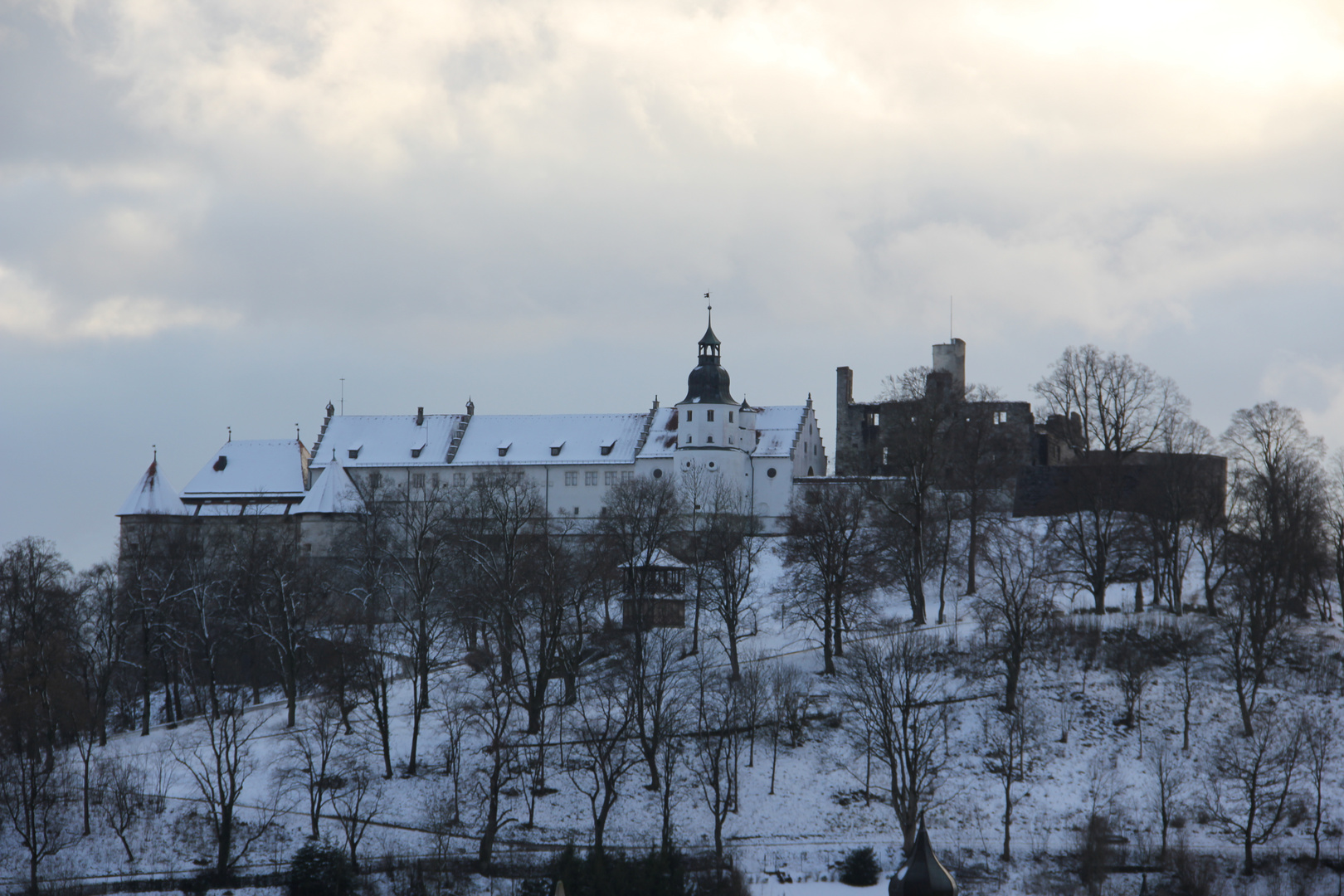 Winter am Schloss Hellenstein