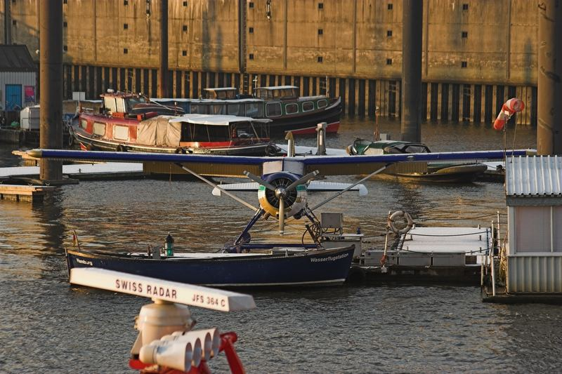 Winter Hamburger Hafen.... der Flieger
