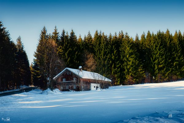 Holzh tten fotos bilder auf fotocommunity for Fischteich im winter