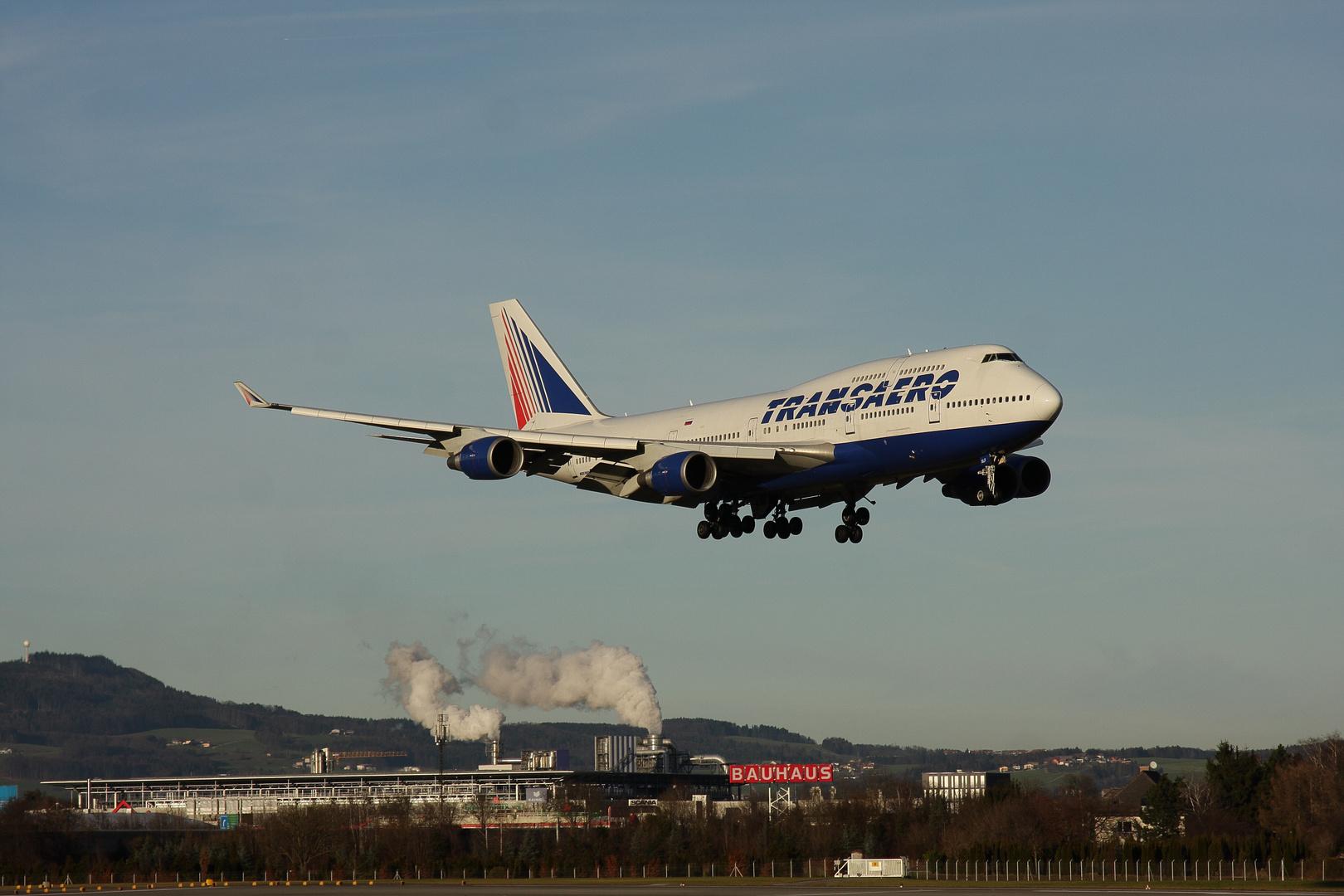 Wintercharter Boeing 747-446...