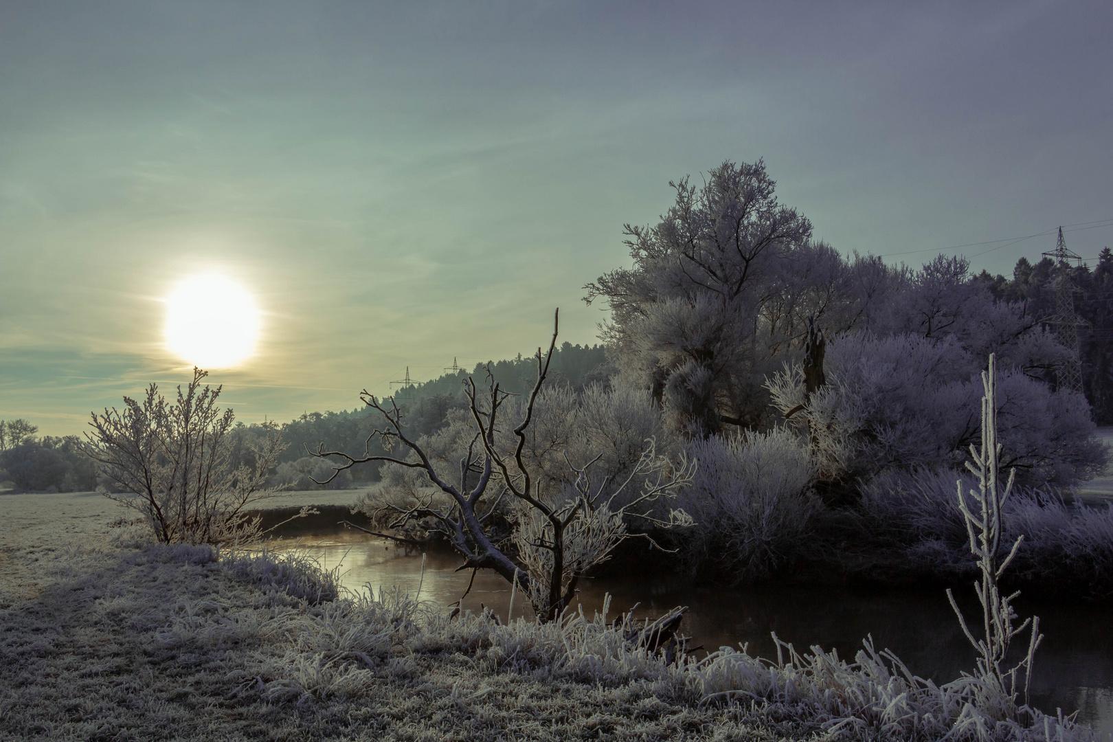 Winterlandschaft am Fluss