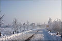 Winterlandschaft / Ortseingang Niemberg