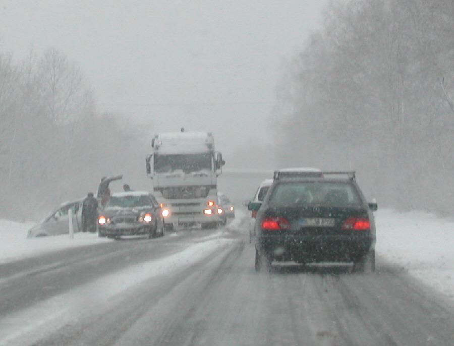 Winterliche Straßenverhältnisse 2