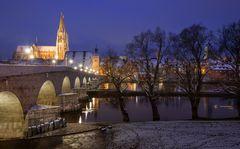 winterlicher Blick aufs Regensburger Hochwasser