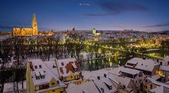 winterlicher Blick vom Kirchturm St Mang in Regensburg