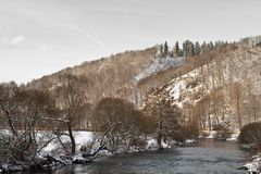 Winterlicher Fluss