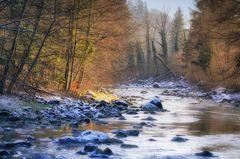 Winterlicher Flusslauf