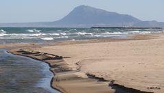 Winterstrand - der Wind flaut ab - Piles Spanien