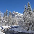 Winterwanderweg am Bach