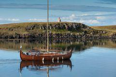 Wir fahren auf Wiking, Island