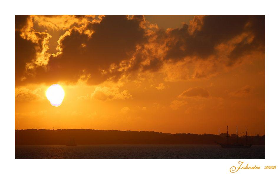 ~ Wir segeln in den Sonnenuntergang ~