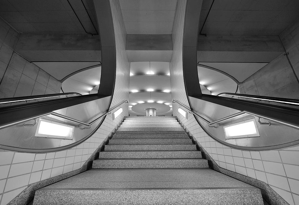 Wo der (blaue) Bock wartet auf eine U-Bahn die ihn heim bringt