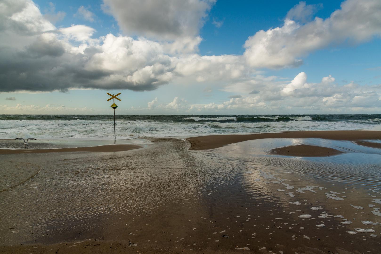 """""""  Wo die Nordseewellen trecken an den Strand """""""