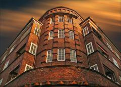* Wohn-Burg *