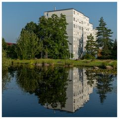 Wohnen am Dorfbach (gespiegelt)