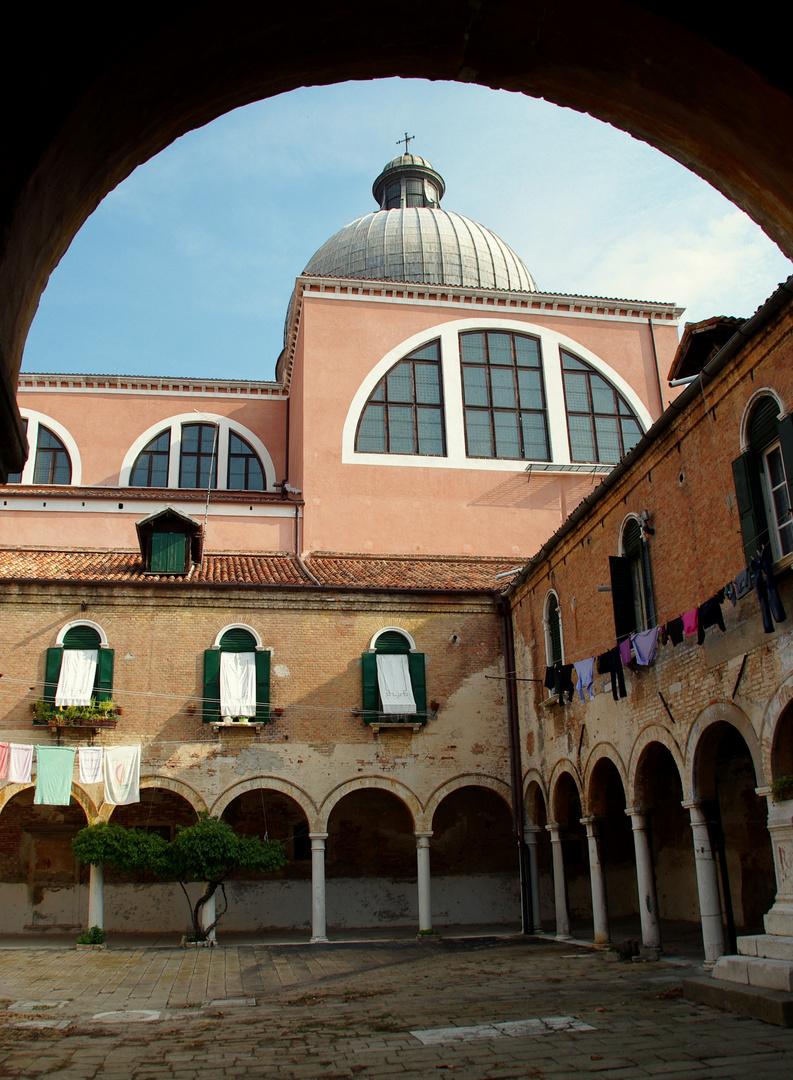 Wohnen im Kloster