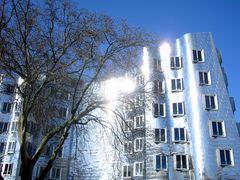 Wohnen im Medienhafen, Architekt Frank Gehry, USA