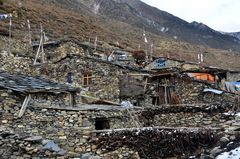 Wohnhäuser in Samdo auf 3760 m Höhe im Manaslu-Gebiet