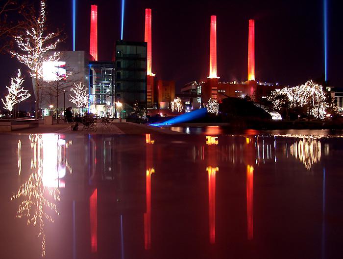 Autostadt Wolfsburg Weihnachtsmarkt.Wolfsburg Autostadt Foto Bild Architektur Architektur Bei Nacht