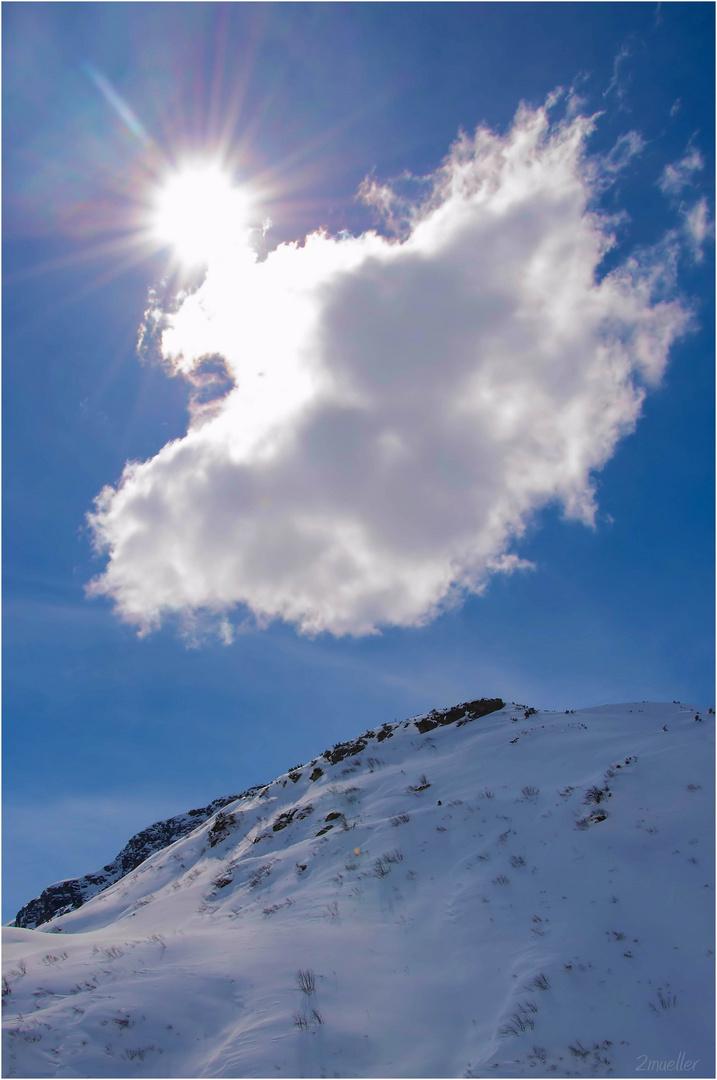 Wolke im Sonnenlicht