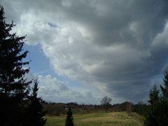Wolken auf dem Lande