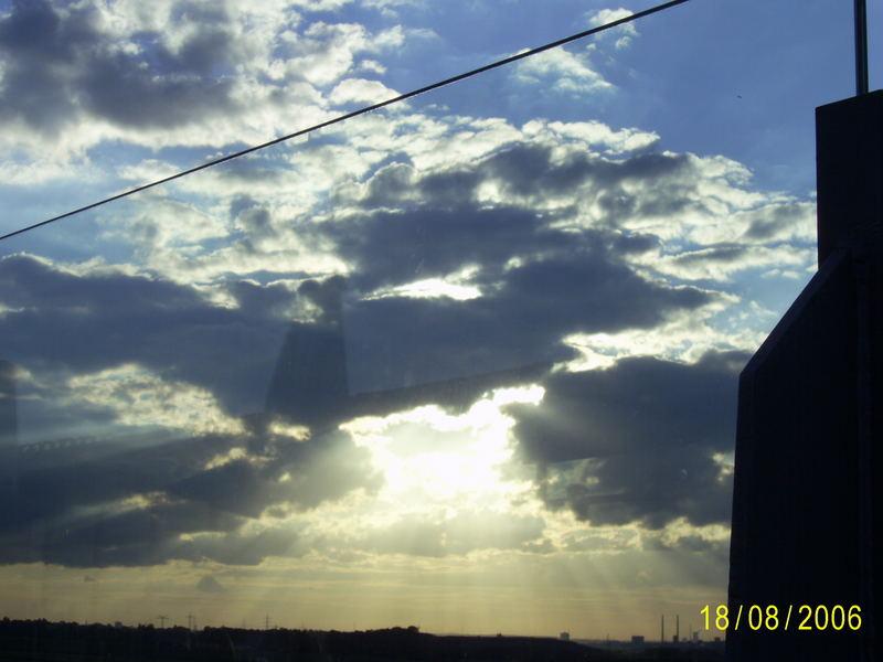 *Wolken-Durchbruch*