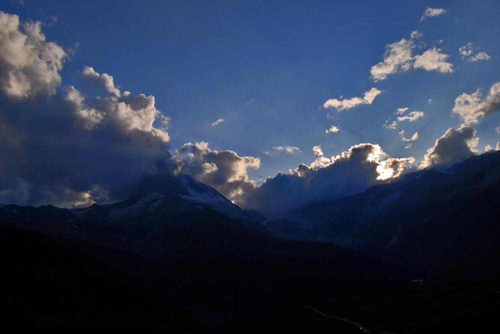 Wolken, Strahlen und Horn