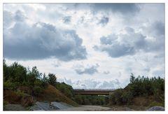 Wolken über dem Kalksteinbruch