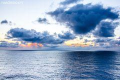 Wolken über dem Meer