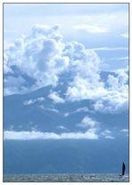 Wolken über den Bergen des Kongo