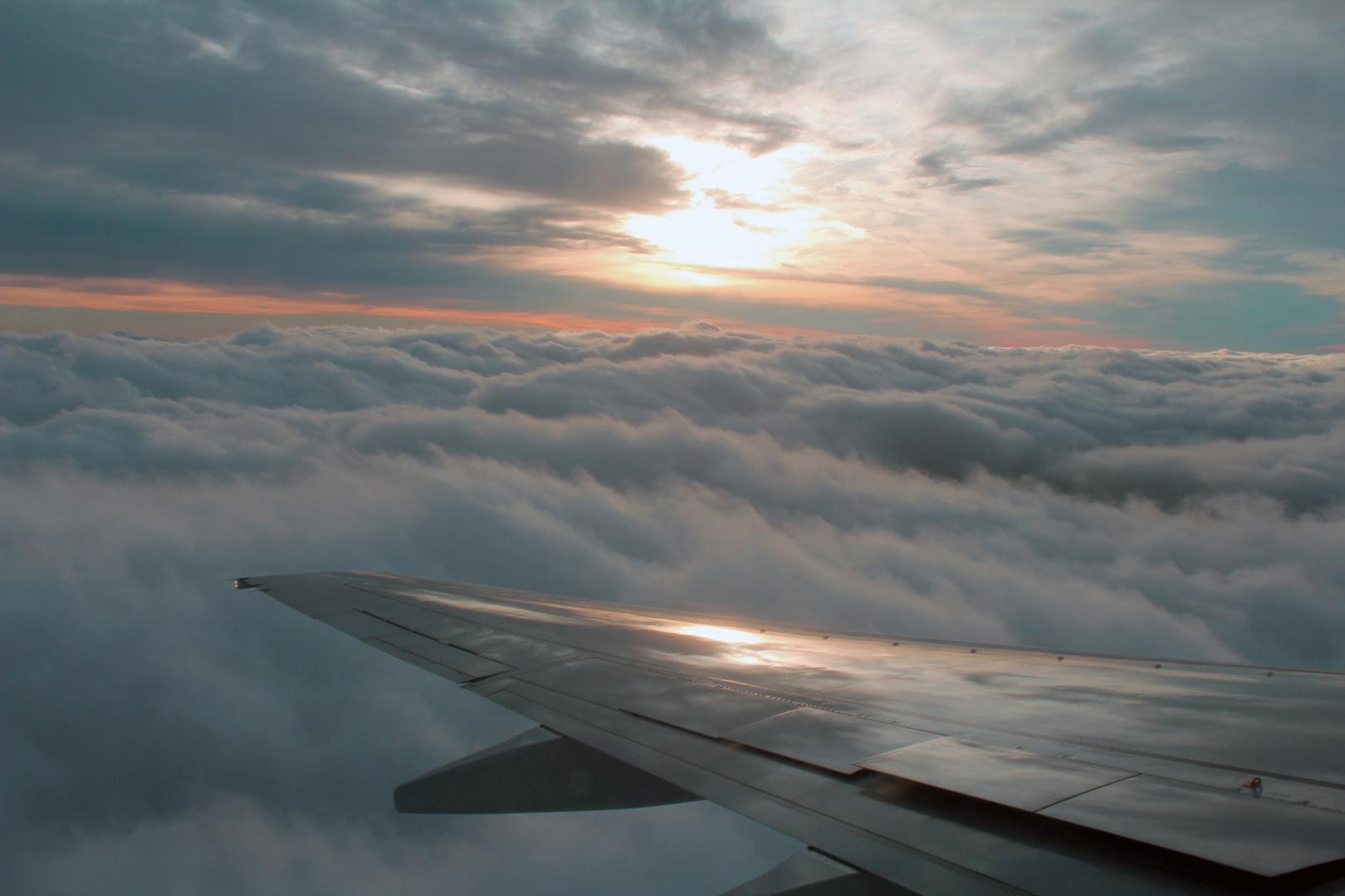 Wolken über den Wolken