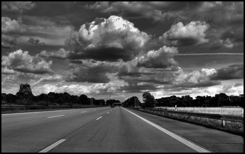 Wolken über der A10