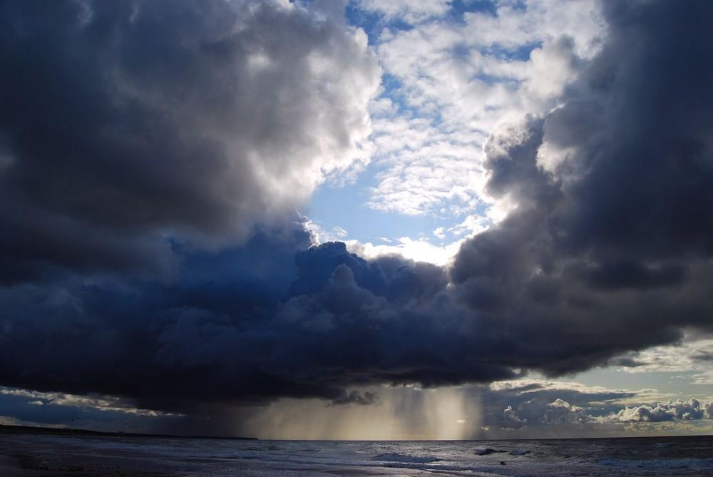Wolken über der Ostsee / Dierhagen