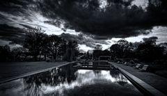 ... Wolken über der Wasserachse ...