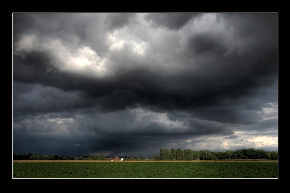 Wolken über Golkrath