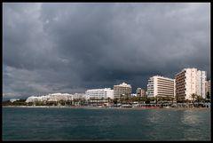 Wolken über Marbella