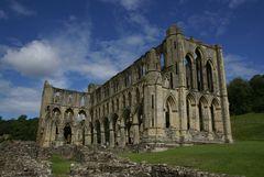 Wolken über Rievaulx Abbey 2