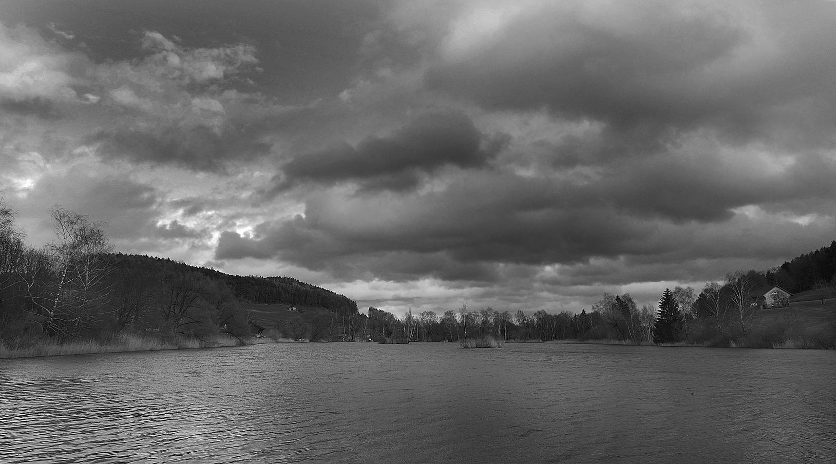 Wolken über Weiher I