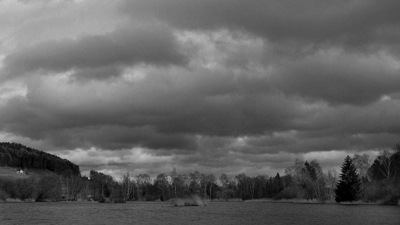 Wolken über Weiher II