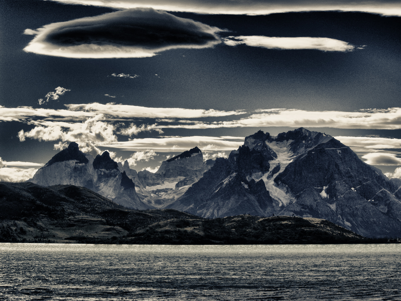 wolken und berge in patagonien ...