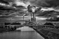 Wolken und Rauch überm GKM