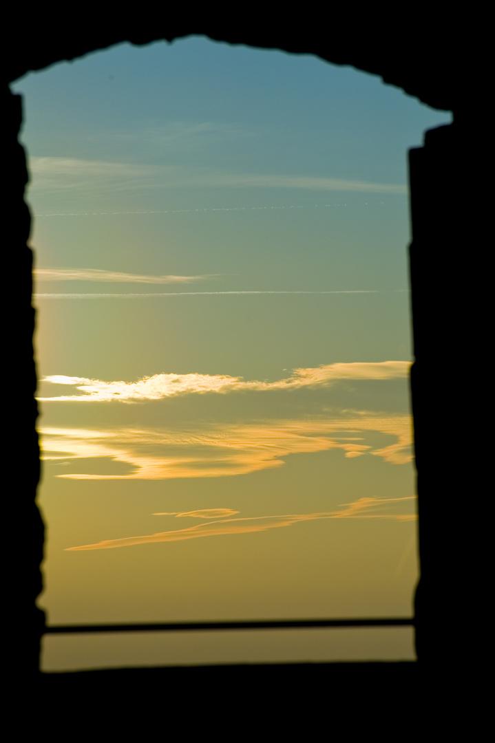 Wolken vor dem Fenster