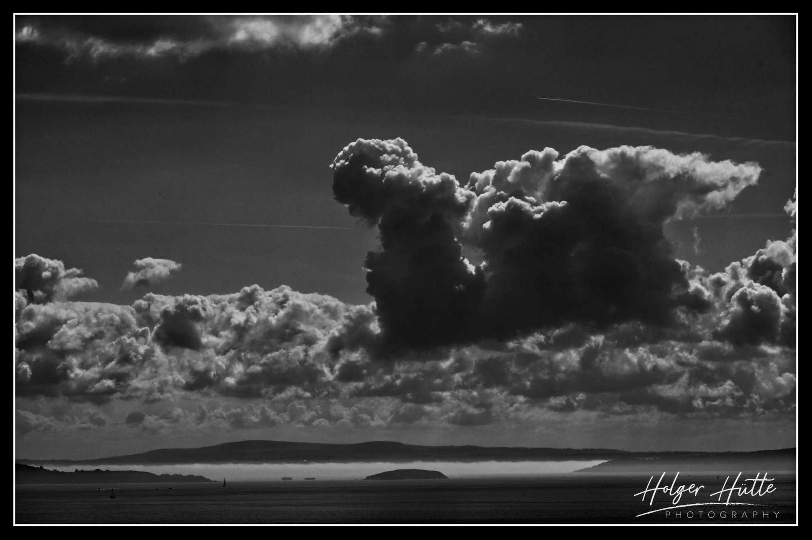 Wolkenberge am Morgen vor Brest
