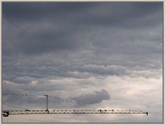 Wolkenbilder 2: Der Kran
