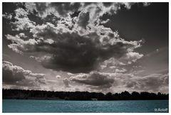 Wolkengebilde über dem Offlumer See