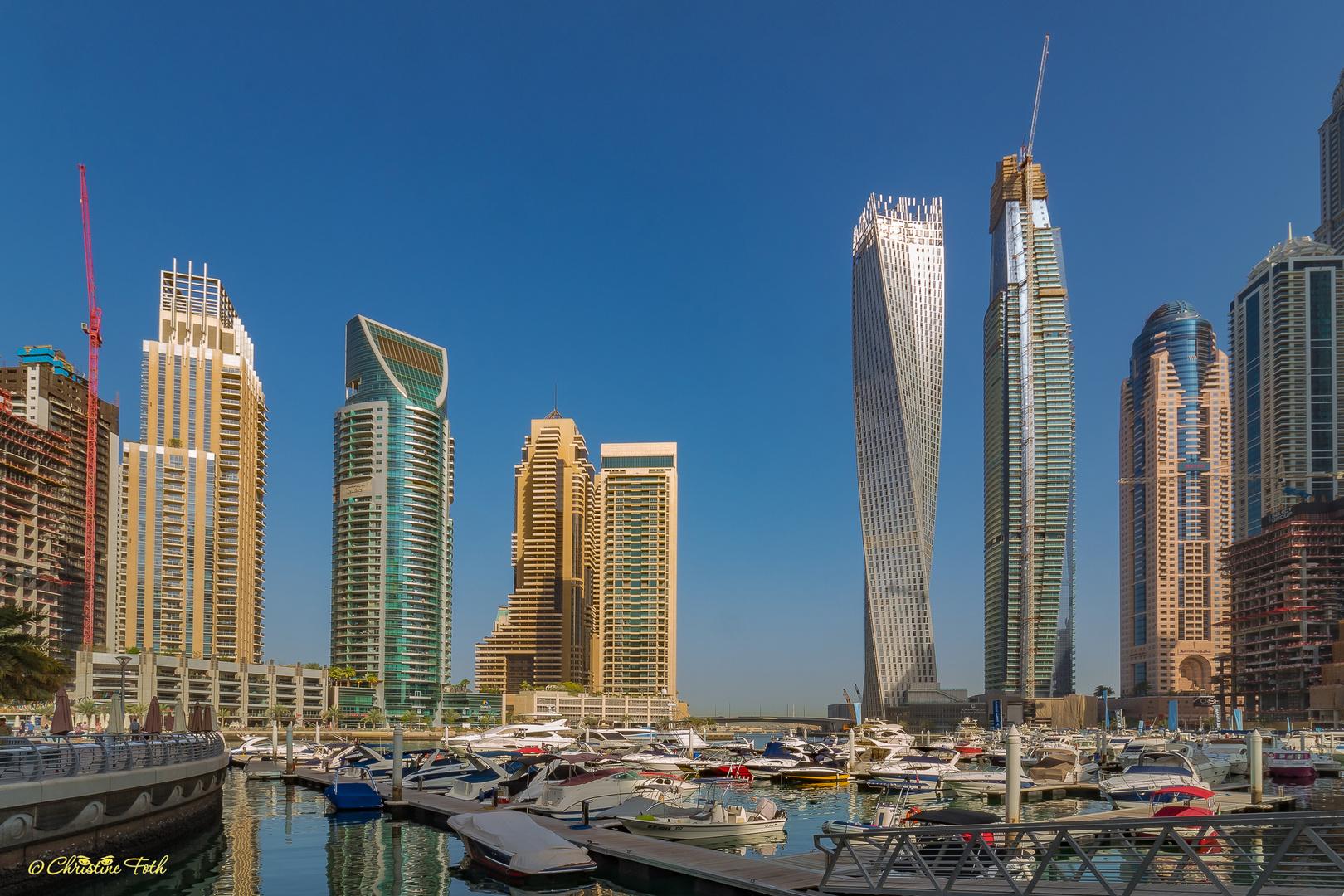 Wolkenkratzer an der Marina
