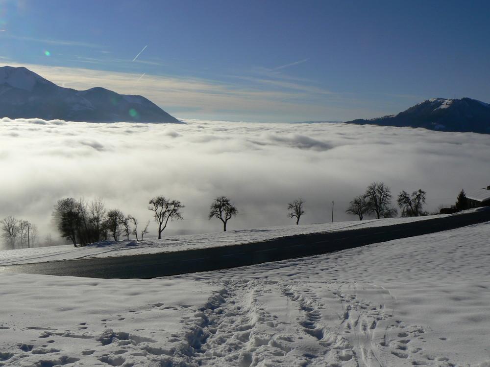 Wolkenmeer im Gebirge