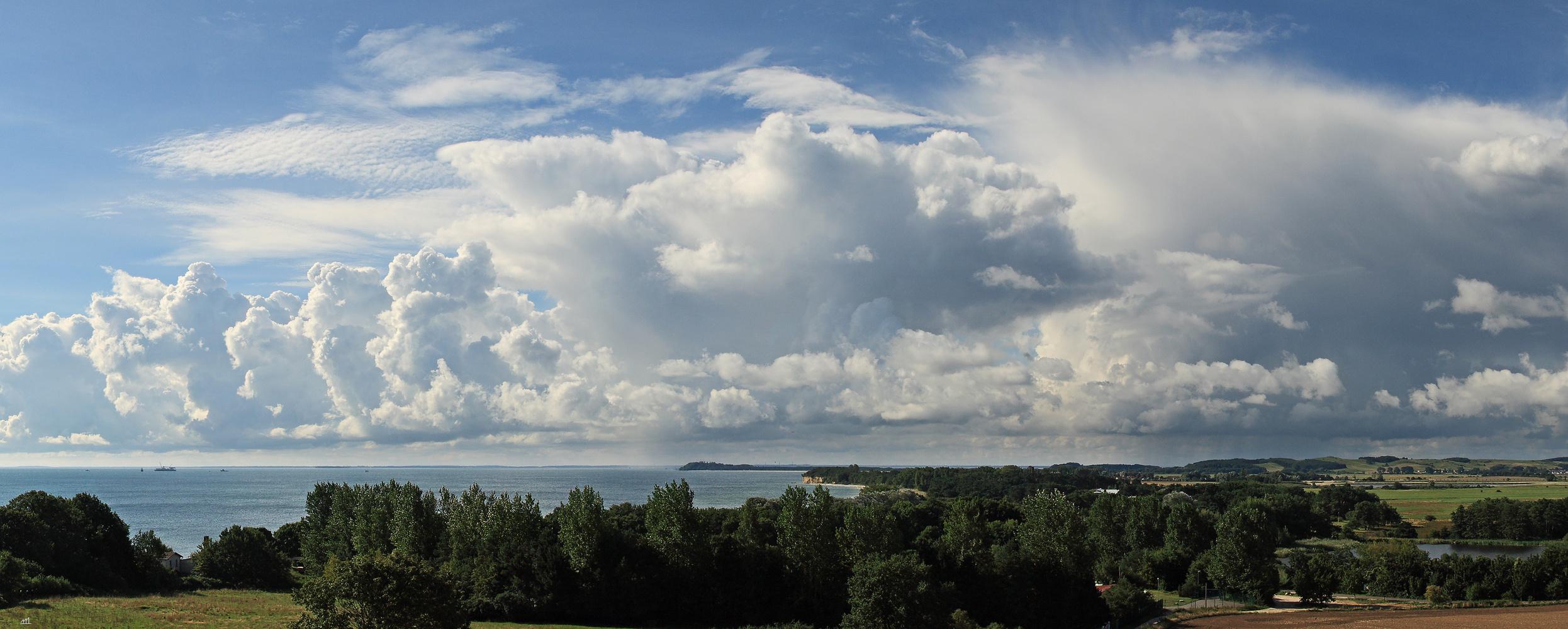 Wolkenschauspiel über dem Greifswalder Bodden