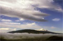 Wolkenumschlungen