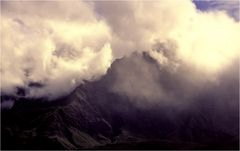 Wolkenumwirbelt